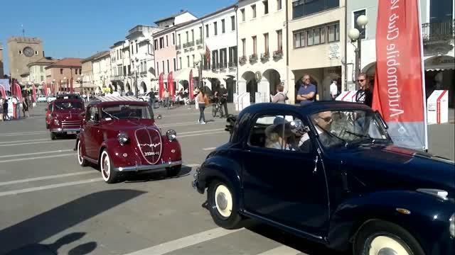 Le più belle di tutti i tempi sfilano in Piazza Ferretto!
