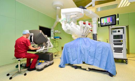 Il robot al servizio del chirurgo