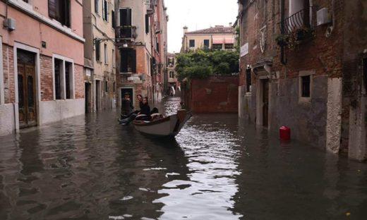 Condizioni meteo come nel 1966. Allerta in tutta l'area metropolitana, Venezia conta i danni