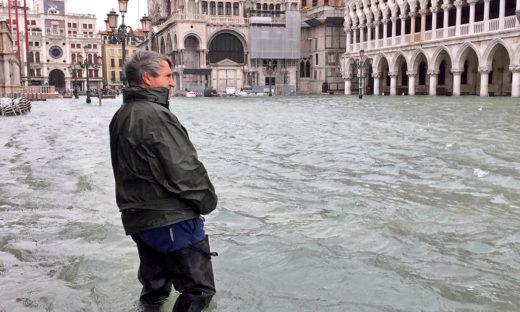 """Finiamolo, presto e bene. Luigi Brugnaro, sindaco di Venezia: """"Noi difendiamo il Mose"""""""