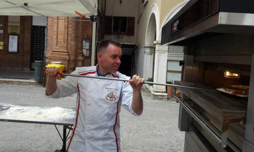 Gambero Rosso: a Venezia Maurizio Toffoli fantasista della pizza