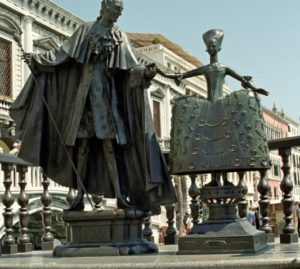statue-casanova