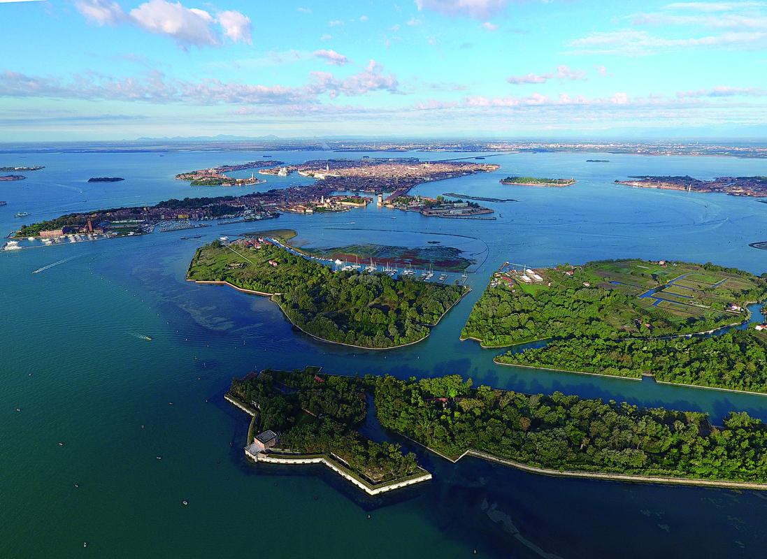 Veduta aerea dell'isola della Certosa