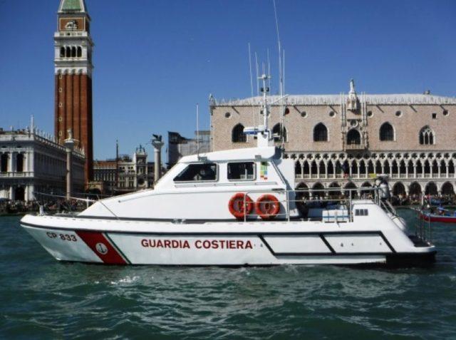 Imbarcazione della Guardia Costiera di Venezia