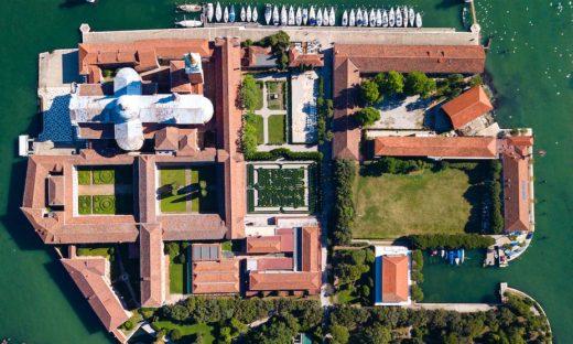 Riapre la Fondazione Cini: per la prima volta un itinerario sul Labirinto Borges