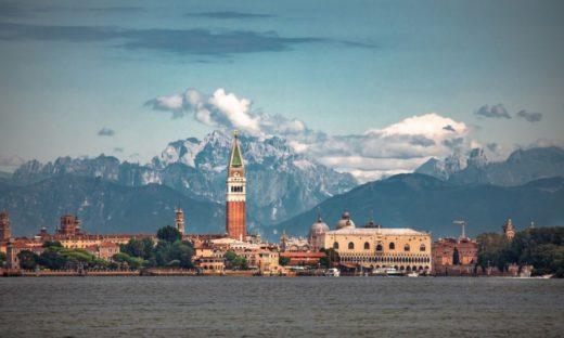 """Veneto """"Safe area"""". Turismo e intrattenimento: la campagna del rilancio"""