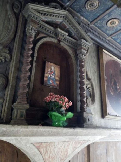 Il capitello dedicato alla Madonna nel sottoportego di Corte Nova