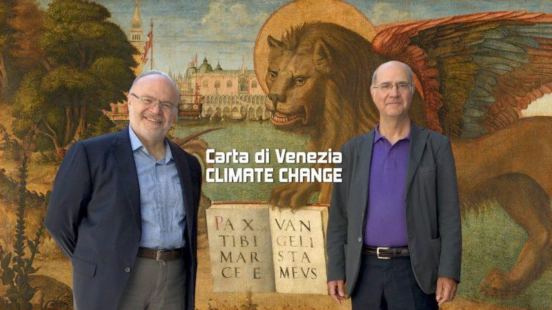 Il presidente dell'Ordine degli Ingegneri di Venezia, Mariano Carraro, e Sandro Boato, coordinatore della Commissione che ha relizzato la Carta di Venezia Climate Change