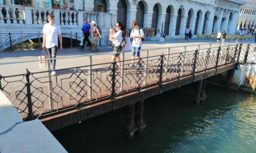 Dopo 30 anni, il restaurato ponte della Zecca torna definitivo