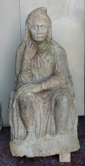 La statua romana ritrovata nelle campagne di Altino
