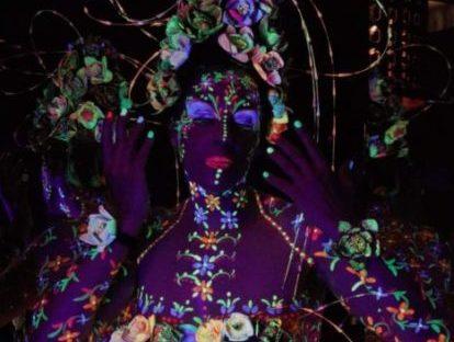 """Sabrina Tormena: la modella di body painting """"anti-Covid"""""""