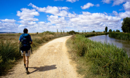 Cammini: un'offerta sempre più ricca per chi ama spostarsi a piedi