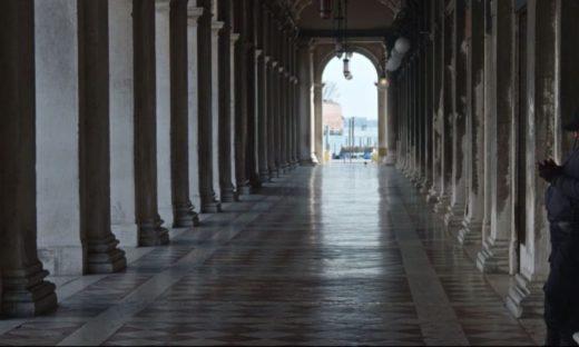 Mostra del Cinema di Venezia: la pre-apertura di Segre legata al lockdown