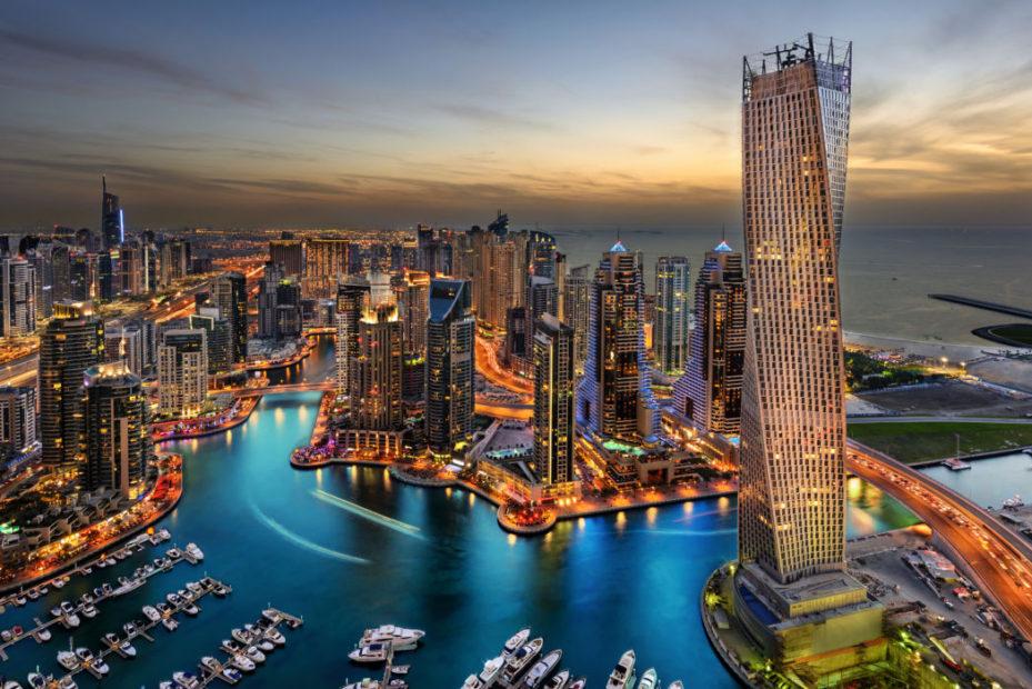 Dubai al tramonto