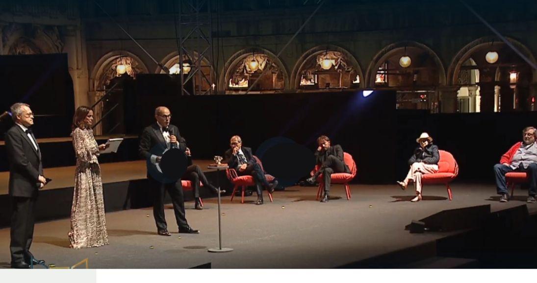 Da sx_ Il presidente di Confindustria Carlo Bonomi, la conduttrice Cristina Parodi, il presidente di Confindustria Veneto Enrico Carraro e i finalisti del Premio Campiello 2020