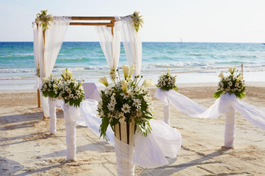 Matrimonio in spiaggia: la nuova tendenza con validità legale