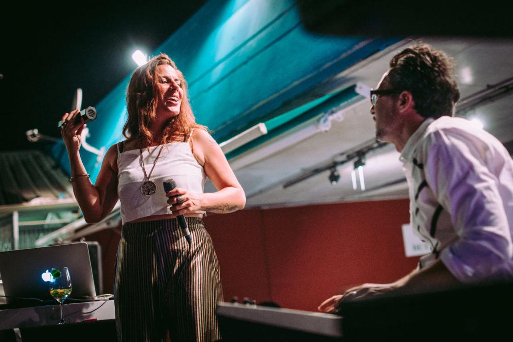 La cantante Samantha Giordano e Michele Bonivento alle tastiere
