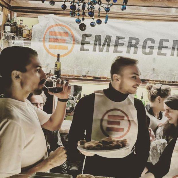 Il cestista Stefano Tonut cameriere per un giorno per Emergency