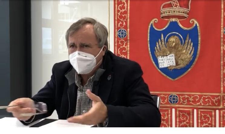 Il sindaco di Venezia Luigi Brugnaro durante il consiglio comunale del 16 novembre 2020