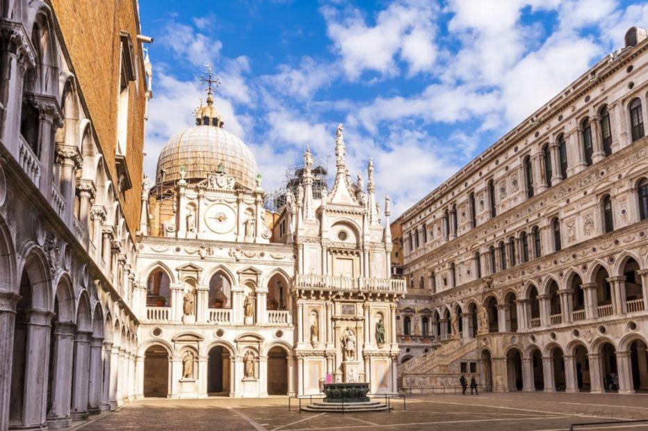 Il cortile interno di Palazzo Ducale, a Venezia