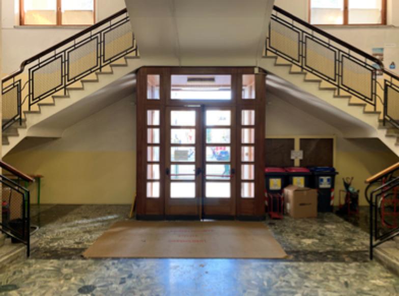 la scala all'ingresso del liceo Franchetti di Mestre