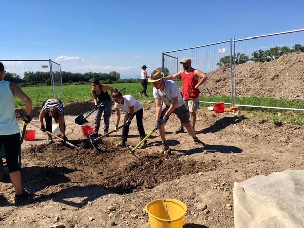 Il team di Ca' Foscari durante gli scavi ad Altino