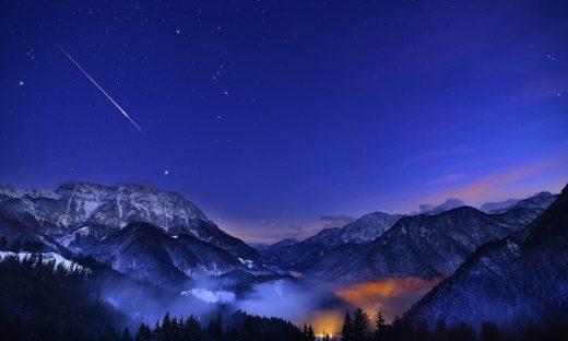 Il nuovo anno inizia con le stelle cadenti