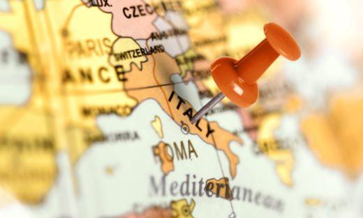 Crisi. Eurostat: l'Italia il Paese più a rischio