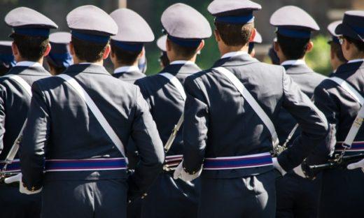 Concorsi. Bando per 448 giovani nelle Forze Armate.
