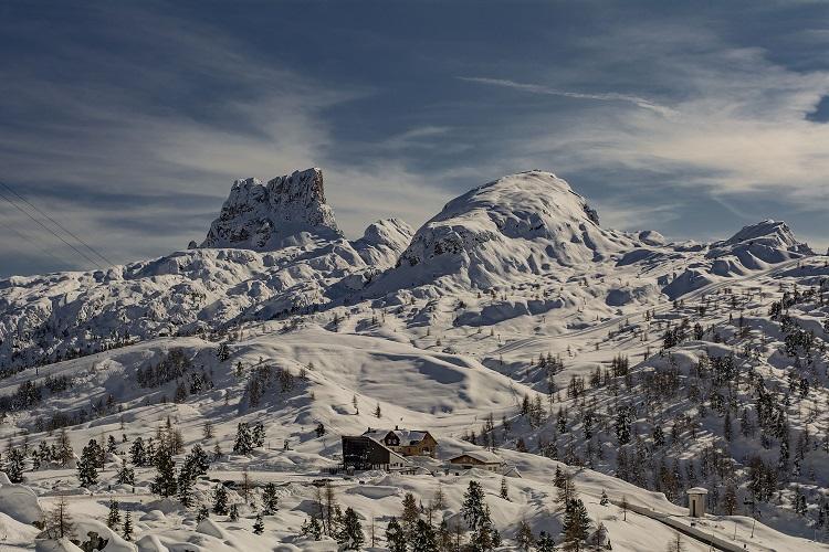 """Il fascino della Regina. Per il """"The Guardian"""" Cortina è tra i 10 paesaggi montani più belli"""