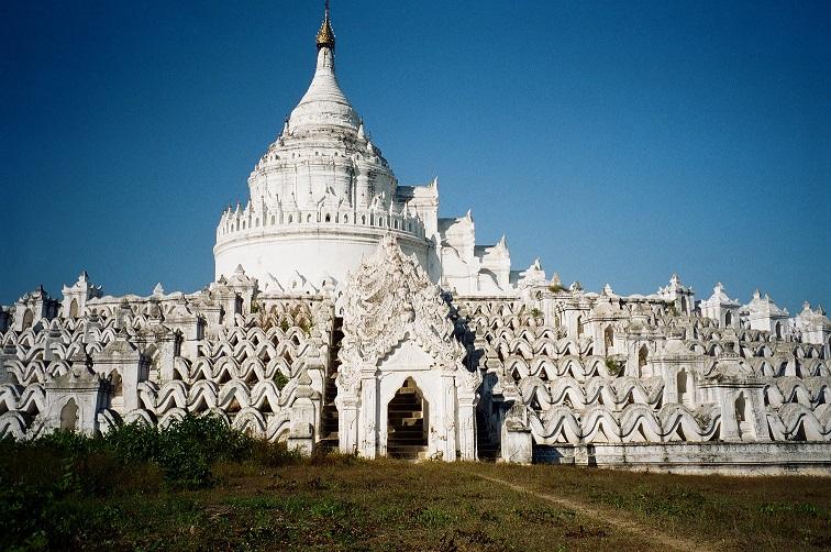Mingun pagoda di Hsin-byu-me Birmania