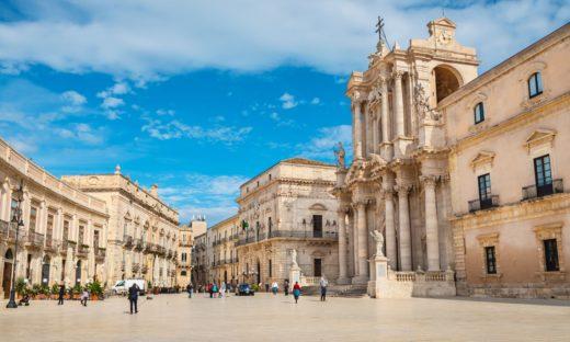 """Turismo in Italia: si estende il """"decalogo delle città d'arte"""""""