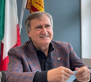 Il sindaco di Venezia Luigi Brugnaro durante il convegno di Uiltec