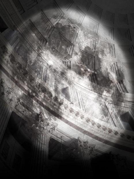 La proiezione lunare del Pantheon con InsideOut @Cosimo Scotucci