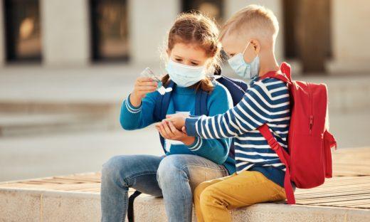 """Coronavirus. Il """"segreto"""" per ammalarsi meno dei bambini"""