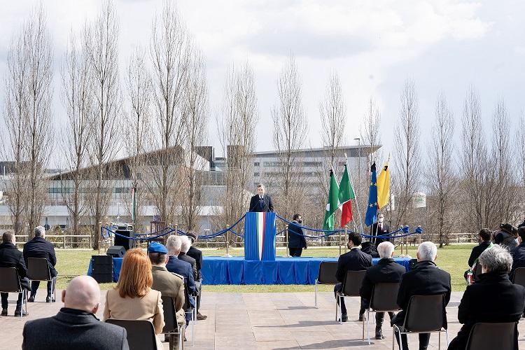 """Giornata delle vittime Covid. Draghi: """"Ricostruire senza dimenticare"""""""