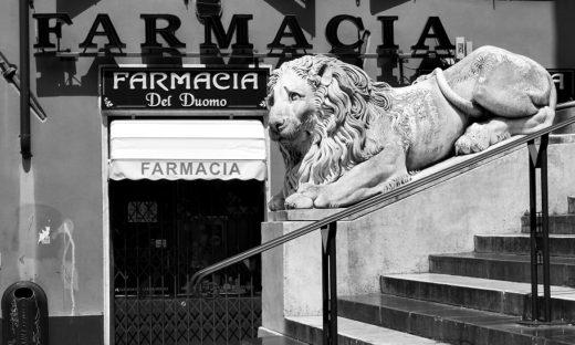 Vaccini: Liguria pronta con le farmacie, Milano con l'Hub dell'esercito