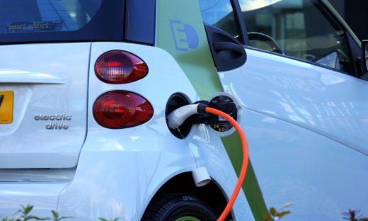 Auto elettriche: in arrivo il bonus 2021