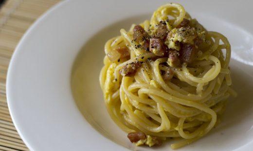 Carbonara day: storia e leggenda di un piatto non del tutto italiano