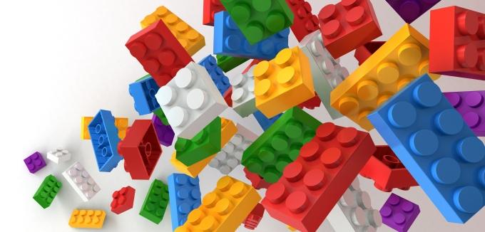 Dai mattoncini alle parti meccaniche: Lego cerca designer