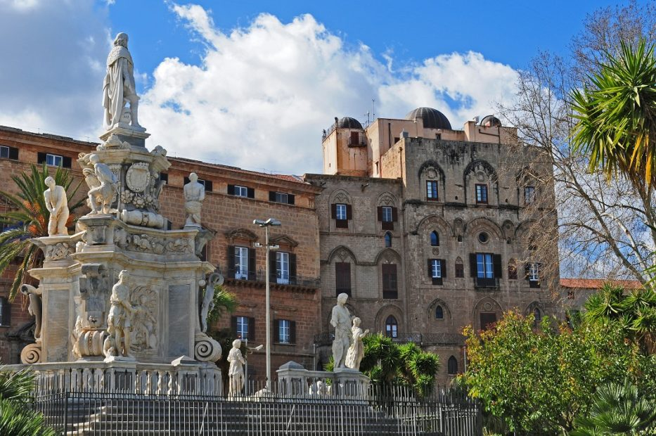 Palermo: nel sottosuolo strutture murarie e ceramiche di età medievale