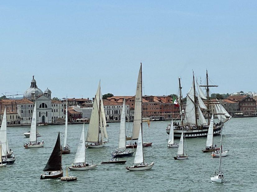 Venezia:  lo spettacolo delle vele in laguna