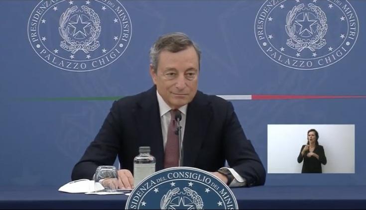 """Draghi: """"Si all'obbligo vaccinale e alla terza dose"""""""