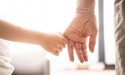 """Festa dei nonni: il grazie dei nipoti ai loro """"angeli custodi"""""""